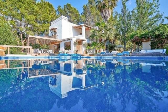 Ibiza - Maison - Finca - Vente - 6 Chambres - Piscine - Tennis