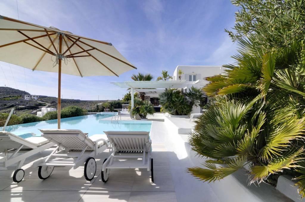 Mykonos - Location saisonnière - Maison - 10 Personnes - 5 Chambres - 5 Salles de bains - Piscine.