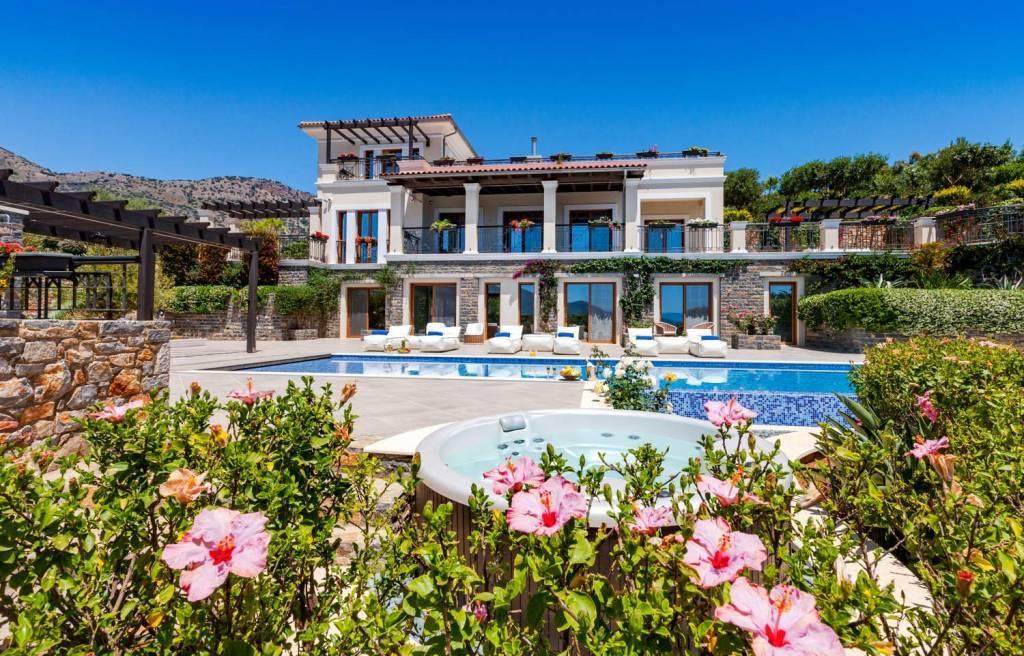 Agios Nikolaos - Crete - Holiday rental - House - 12 Persons - 6 Bedrooms - 7 Bathrooms - Swimming pool