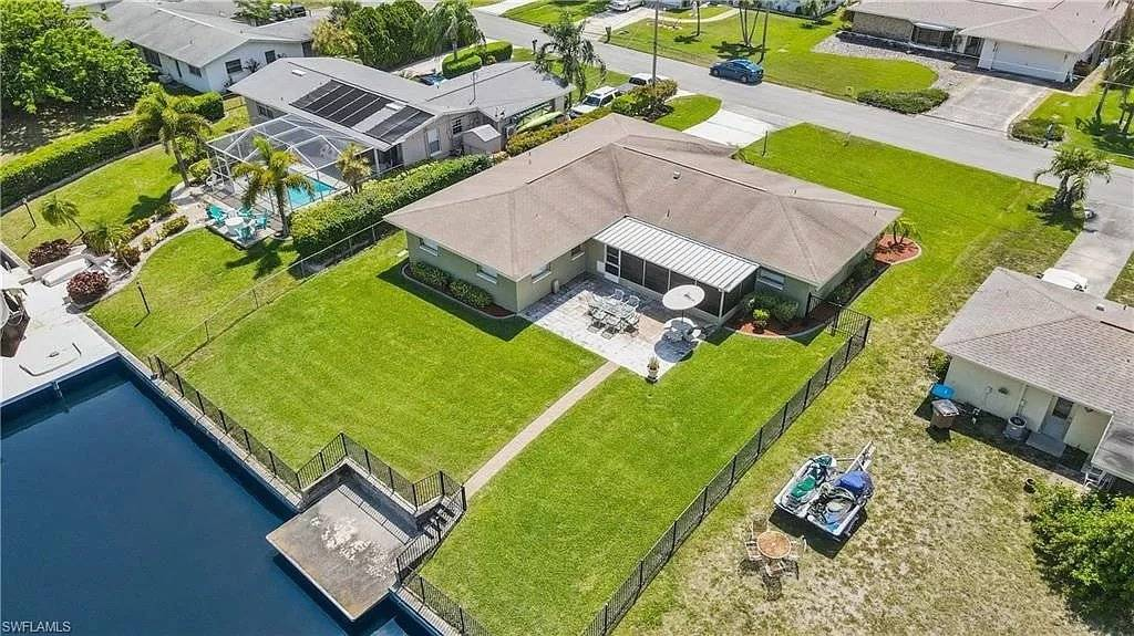 Florida - Cape Coral - For sale - House - 4 Bedrooms - 3 Bathrooms.
