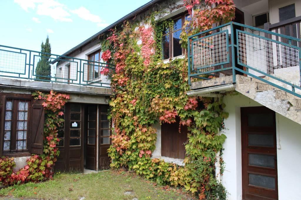 Réf.927 Ensemble immobilier typique dans la vallée de Campan