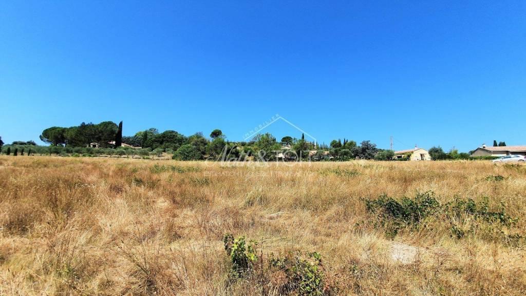 MORMOIRON Terrain constructible viabilisé de 563 m²