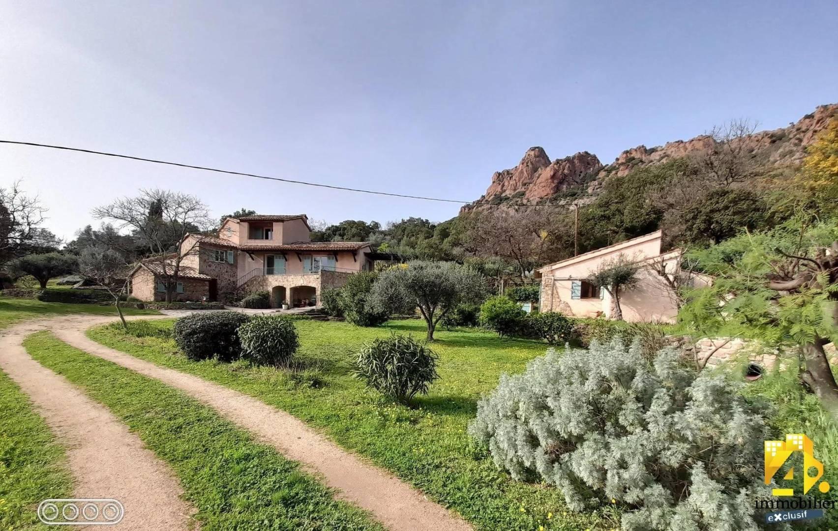 1 47 Roquebrune-sur-Argens
