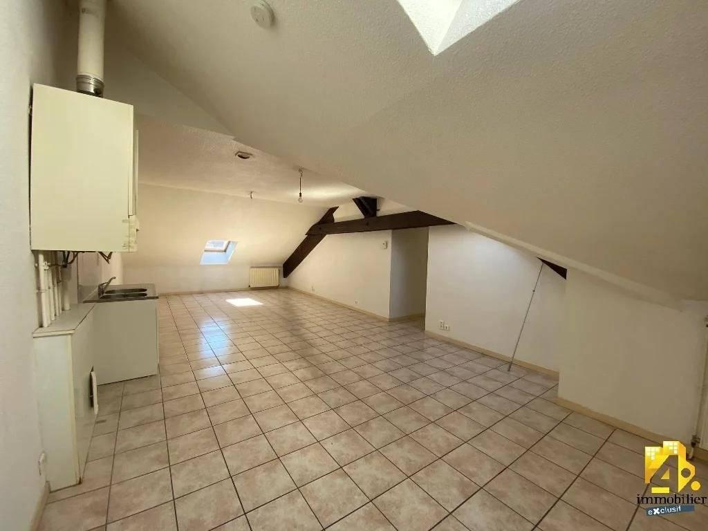 Appartement Lons-Le-Saunier / 2 pièces / 38.75 m² (65 m² au sol)