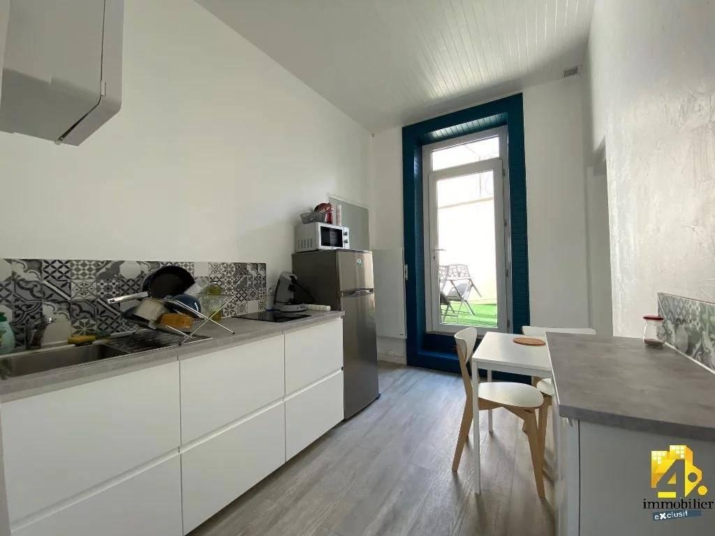 Immeuble Lons-Le-Saunier  / 3 appartements / 120 m²