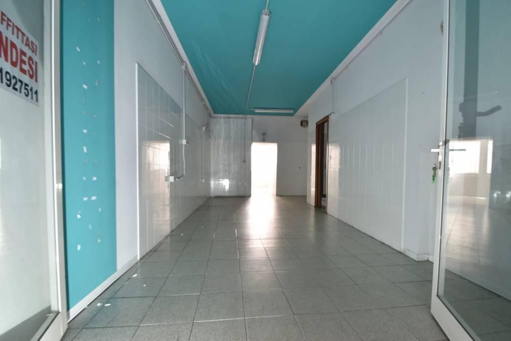 Magazzino centro Loano