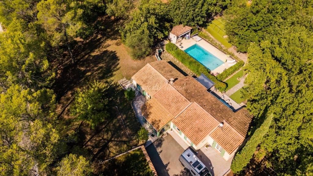 Villa familiale avec grand terrain & au calme !