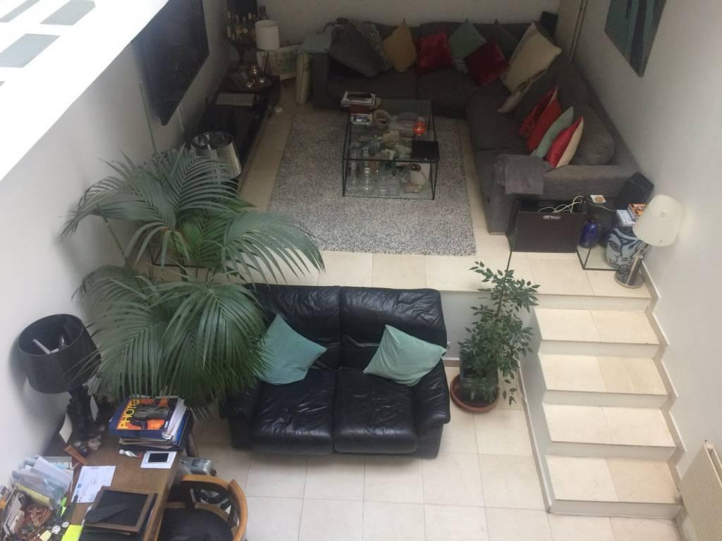 75010/Porte Saint Martin:appartement d'artiste